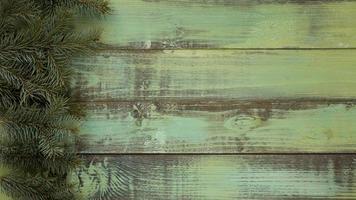 dennennaalden op vintage houten achtergrond foto
