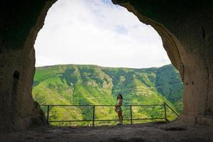 vrouw in de vadrzia-grot foto