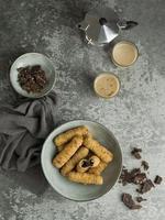 tequenos gerecht met chocolade foto
