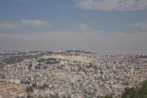 uitzicht op de Olijfberg over de oude stad van Jeruzalem in Israël foto