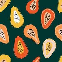 kleurenpatroon met plakjes papaja, passievrucht op groen. handgetekende exotische fruitstukken op lrepeating achtergrond. fruitig ornament voor textielprints en stoffenontwerpen. foto