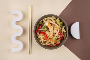 creatieve opstelling van heerlijk eten foto