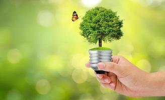 concept van de wereld redden, het milieu sparen foto