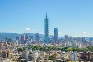 panoramisch uitzicht over de stad taipei in taiwan foto