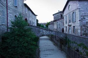 het dorp gubbio foto