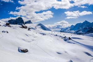 sneeuwlandschap en wolken foto