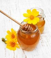 honing met bloemen foto