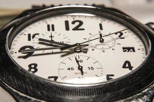 behang mechanische horloges met pijlen chronograaf foto