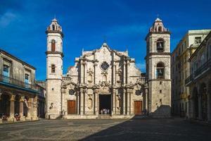 gevel van de kathedraal van havana habana in cuba foto