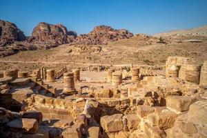 de grote tempel van petra in jordan foto