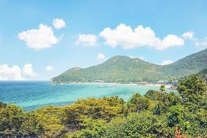 koh larn eiland in de buurt van pattaya stad in thailand foto