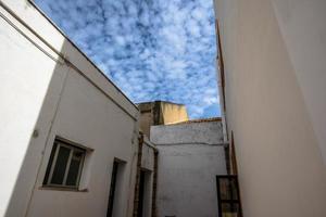 2021 05 29 Marsala-geometrie en wolken foto
