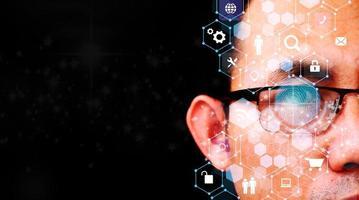 menselijk oog en hightech concept en screening van big data en technologie voor digitale transformatie foto