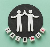 bovenaanzicht samenstelling van stilleven vriendschap dag elementen foto