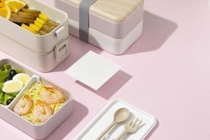 de samenstelling van de Japanse bentobox foto