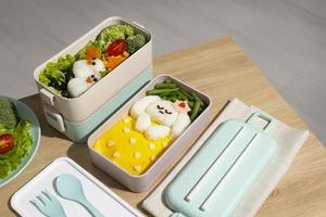 samenstelling van heerlijke Japanse bentobox foto