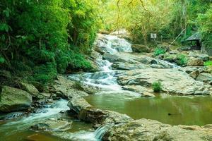 mae sa waterval in thailand thai foto
