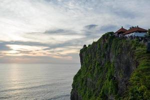 de uluwatu-tempel in bali foto