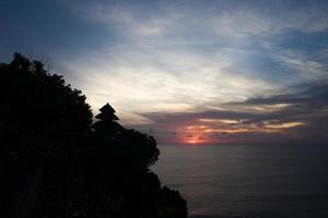 het uluwatu-tempelgebied in bali foto