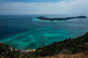 ko adang eiland in de buurt van koh lipe thailand foto