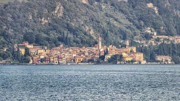 varenna dorp aan het comomeer, italië foto