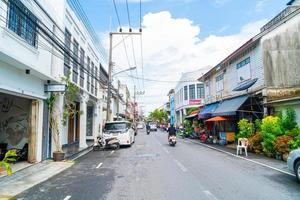 songkhla, thailand - 2020 nov 15 kleurrijk en mooi gebouw oude stad en landschap in songkhla, thailand foto