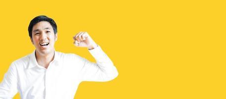 Aziatische man portret zelfverzekerde tiener student levensstijl mensen voor zakelijke verzekeringen, verkoper, financiën, levensstijl en zakenman portret mensen communicatie afbeelding foto