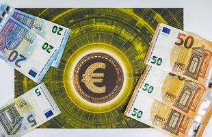 50 20 5 eurobankbiljetten met eurosymbool foto
