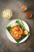 pad thai - gewokte rijstnoedels foto