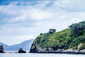 uitzicht op de eilanden vanaf een charterboot. baai van eilanden, nieuw zeland foto