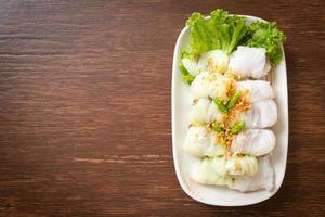 varkensvlees gestoomde rijstpakketten foto