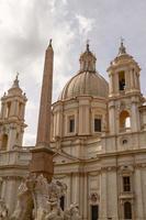 sant agnese in agone kerk op piazza navona, rome, italië foto