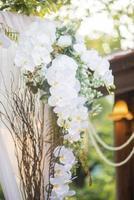 witte bruiloft bloemdecoraties foto