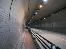 tunnel in Yeousu City, Zuid-Korea foto