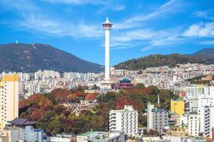 skyline van de stad busan in zuid-korea foto