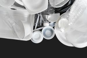 groep producten gemaakt van plastic en schuim foto