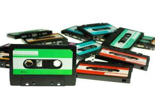 stapel vintage compact cassettebandje foto