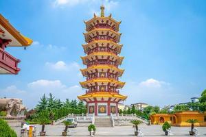 qibao-tempel in de oude stad van qibao in shanghai, china foto