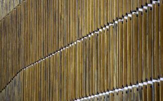 muur met houten planken foto