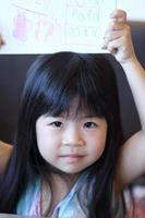 kind met kunst foto