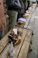 traditionele zwarte truffelmarkt van lalbenque in de perigord, frankrijk foto