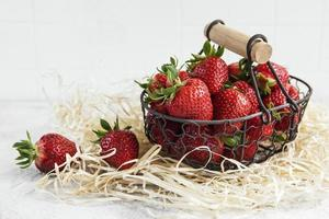 verse rijpe heerlijke aardbeien foto