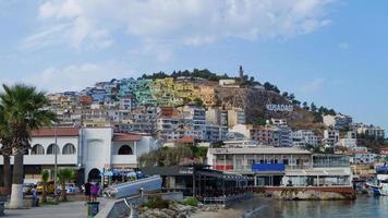 uitzicht op de stad Kusadasi foto