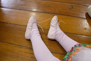 details van een kleine balletdanser foto