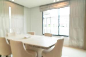 abstracte onscherpte en onscherpe eettafel in de eetkamer voor achtergrond foto