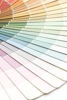 voorbeeldkleuren catalogus pantone of kleurstalen boek foto