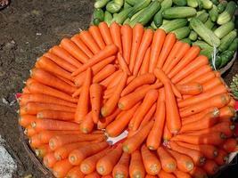 verse en heerlijke en gezonde wortelen foto