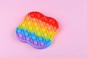 fel kleurrijk kinderspeelgoed gemaakt van siliconen ontworpen om stress te verlichten foto