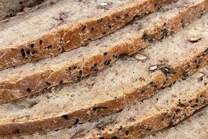 close-up klaar om vers brood te eten foto