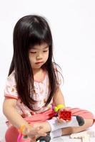 klein speels kind foto